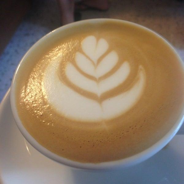 4/13/2013にJessica L.がNylon Coffee Roastersで撮った写真