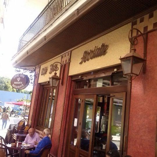Foto tomada en Café Bar Arriate por Manuel L. el 10/22/2012