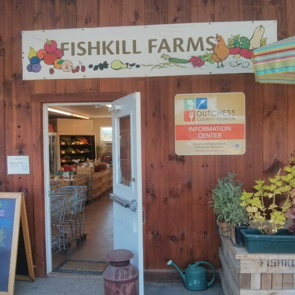 รูปภาพถ่ายที่ Fishkill Farms โดย Melissa D. เมื่อ 9/8/2013