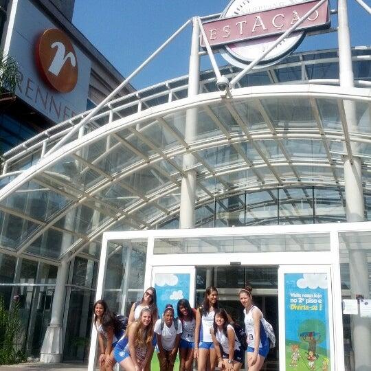 10/31/2012 tarihinde Ieda B.ziyaretçi tarafından Shopping Estação'de çekilen fotoğraf