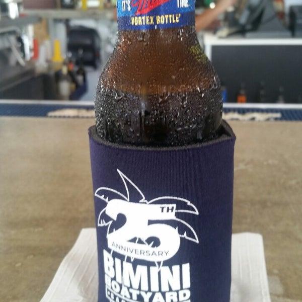 Photo prise au Bimini Boatyard Bar & Grill par vanessa le9/21/2014