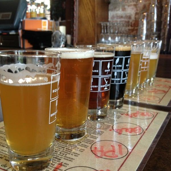 Das Foto wurde bei Square One Brewery & Distillery von Tyler am 7/27/2013 aufgenommen