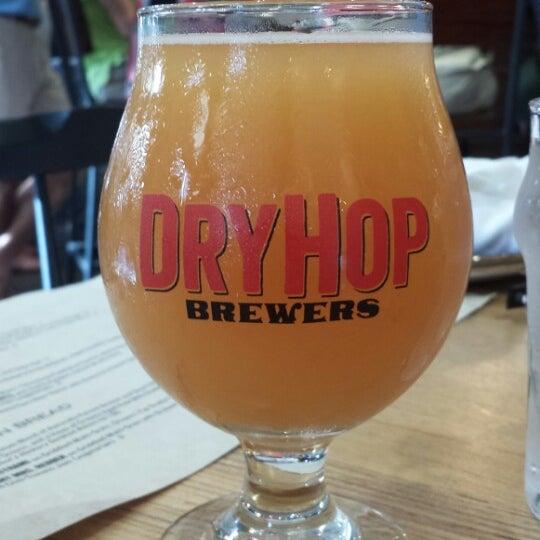 7/13/2013에 Troy B.님이 DryHop Brewers에서 찍은 사진