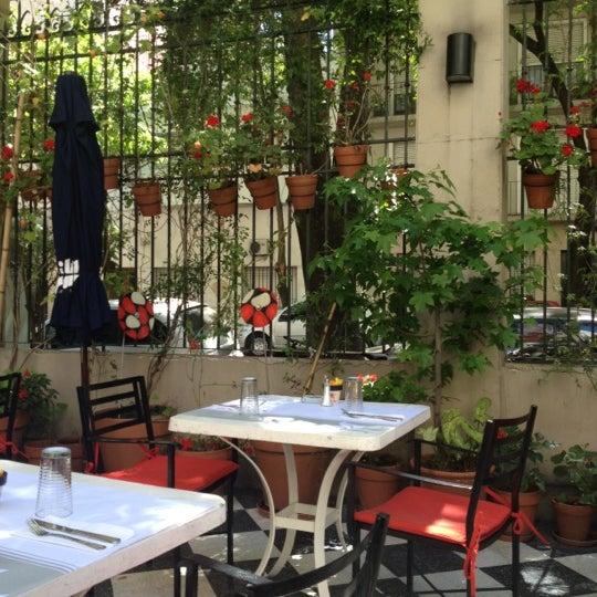 Foto scattata a Museo Evita Restaurant & Bar da Fernanda B. il 10/13/2012