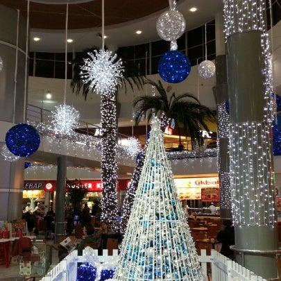 12/27/2012 tarihinde Abd 👊💪 B.ziyaretçi tarafından CarrefourSA Karşıyaka AVM'de çekilen fotoğraf