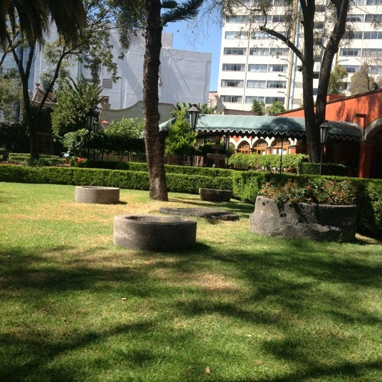 10/26/2012 tarihinde Luis G.ziyaretçi tarafından Hacienda de Los Morales'de çekilen fotoğraf