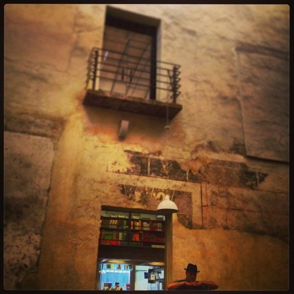 3/16/2013에 Jose Luis P.님이 Profética - Casa de la Lectura에서 찍은 사진