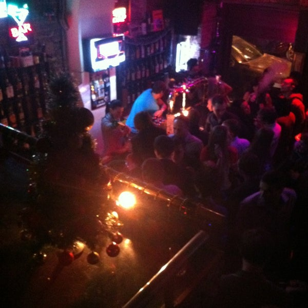 Foto scattata a Lomonosov Bar da Fany il 12/29/2012
