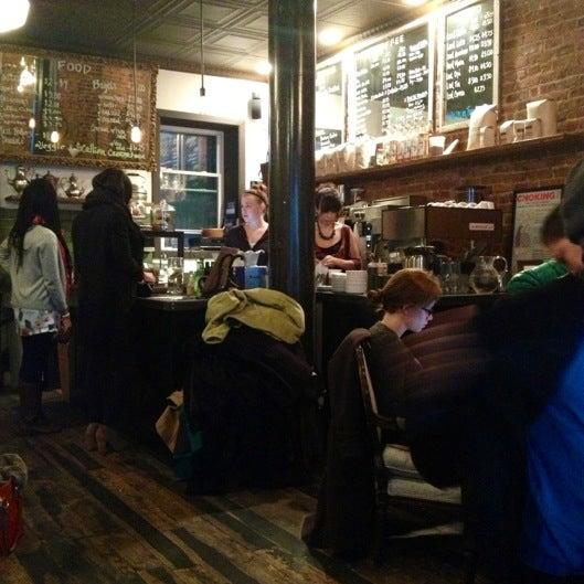 Das Foto wurde bei Lenox Coffee von Svetlana I. am 12/16/2012 aufgenommen
