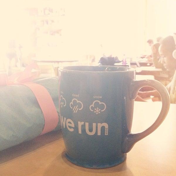 11/26/2012에 Mary W.님이 Peace Coffee Shop에서 찍은 사진