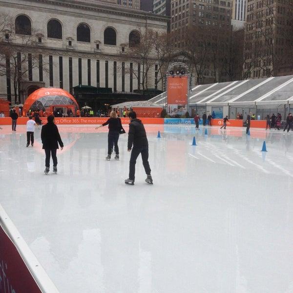 Foto tomada en Celsius at Bryant Park por Jeffrey H. el 1/30/2013