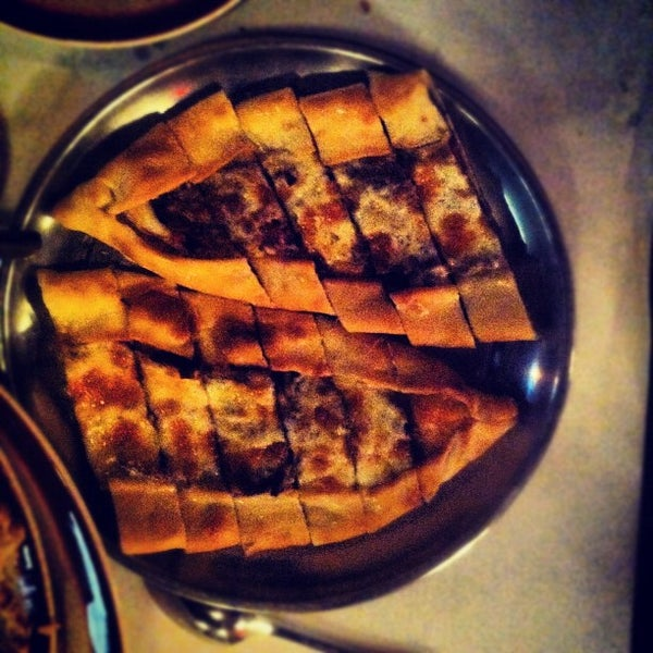 Photo taken at Taci's Beyti Restaurant by Fahad on 10/9/2012