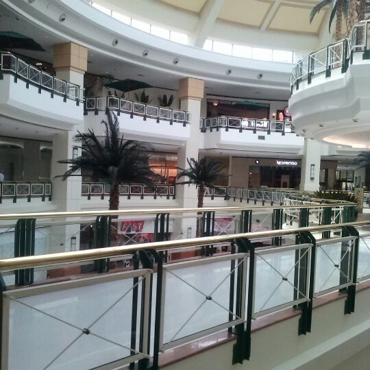 Das Foto wurde bei Shopping Iguatemi von B ☑. am 1/9/2013 aufgenommen