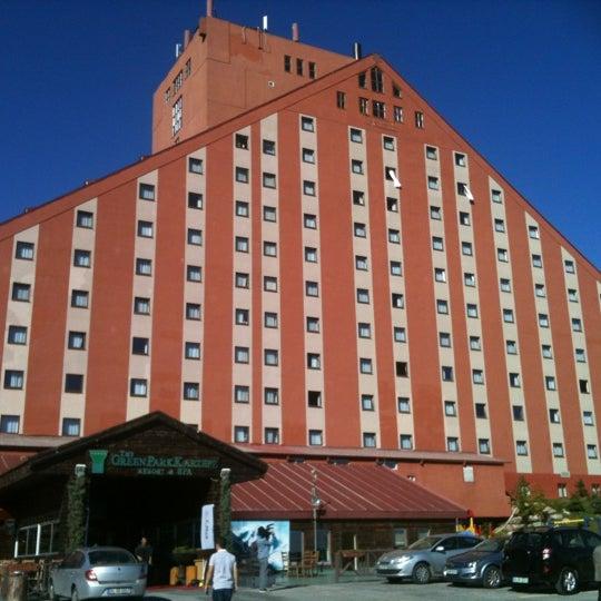 รูปภาพถ่ายที่ The Green Park Kartepe Resort & Spa โดย Tolga B. เมื่อ 10/13/2012