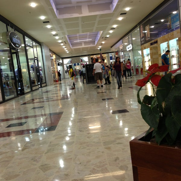 Foto diambil di Grand Plaza Shopping oleh Gabriel S. pada 5/15/2013