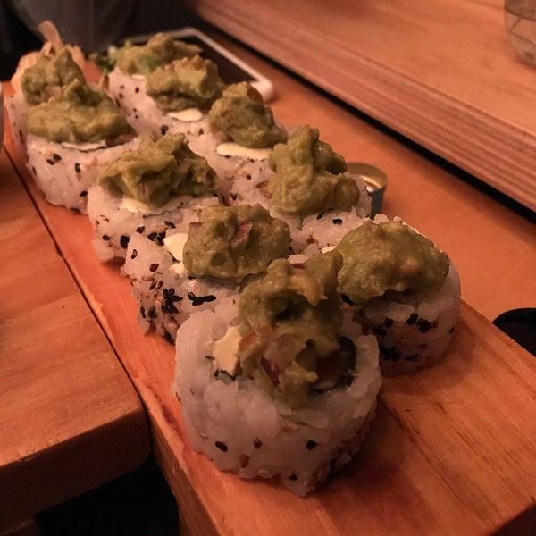 El sushi exquisito. El WIFI sigue igual: kanusushi