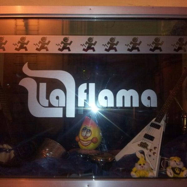 Foto diambil di La Flama oleh Jose M. pada 5/4/2013