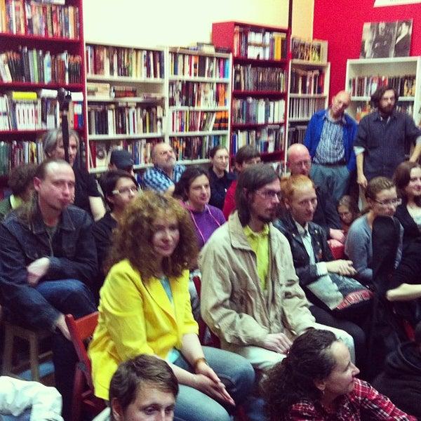 Foto tirada no(a) Свои Книги por Саша Я. em 9/7/2013