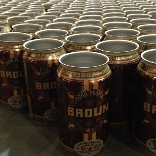 Foto diambil di Good People Brewing Company oleh Raeda pada 12/15/2012