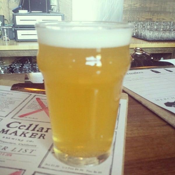 Foto scattata a Cellarmaker Brewing Company da Christopher B. il 7/27/2014