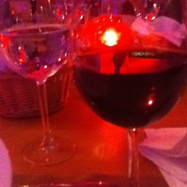 Foto tomada en Kalina Bar Restaurant por Gazican el 3/1/2013