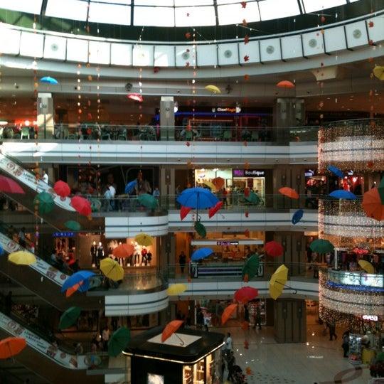 Foto scattata a Kale Outlet Center da Yasin il 10/14/2012
