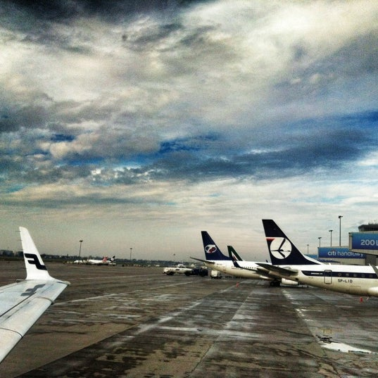 11/29/2012에 Gabriela P.님이 바르샤바 쇼팽 공항 (WAW)에서 찍은 사진