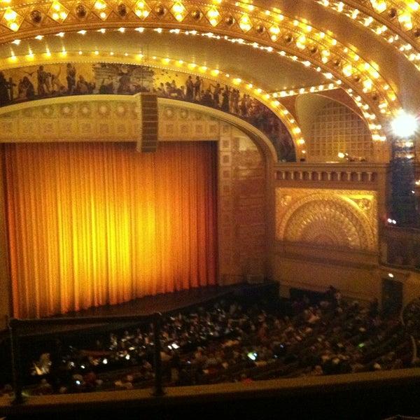 5/5/2013 tarihinde Raymond H.ziyaretçi tarafından Auditorium Theatre'de çekilen fotoğraf