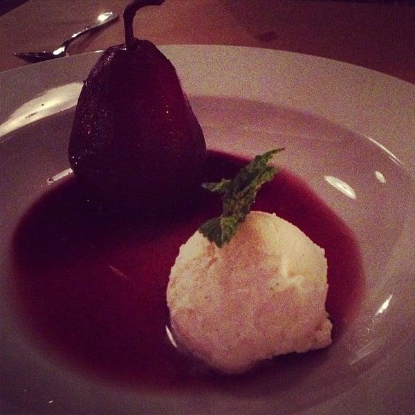 Снимок сделан в Le Midi Bar & Restaurant пользователем Tam . 3/13/2013
