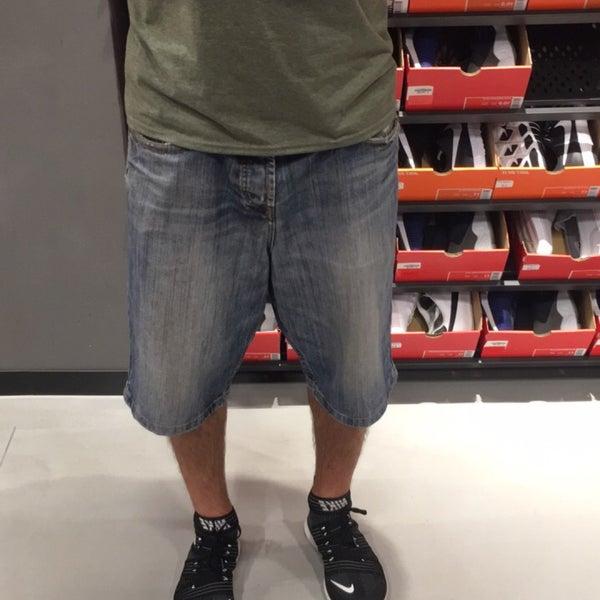Nike Factory Store - Bekleidungsgeschäft
