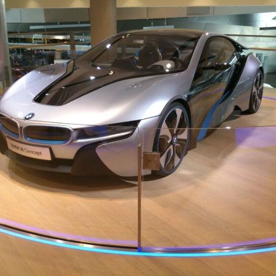 Foto tirada no(a) BMW Welt por Oleg B. em 1/21/2013