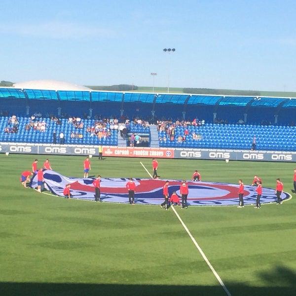 Foto tirada no(a) Štadión FK Senica por Pavel S. em 5/10/2014