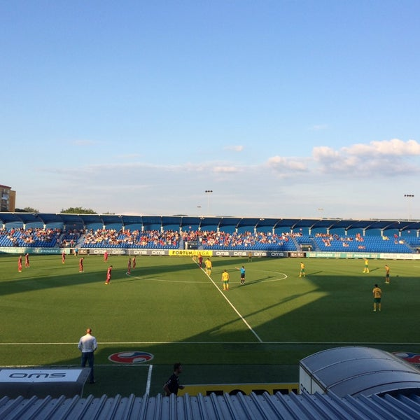 Foto tirada no(a) Štadión FK Senica por Pavel S. em 7/25/2014
