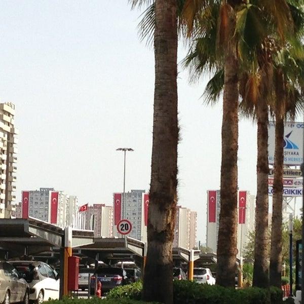 5/18/2013 tarihinde S.can E.ziyaretçi tarafından CarrefourSA Karşıyaka AVM'de çekilen fotoğraf