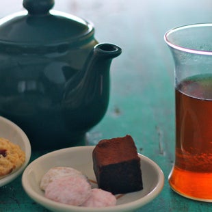 รูปภาพถ่ายที่ Tea Zone & Camellia Lounge โดย Tea Zone & Camellia Lounge เมื่อ 4/20/2014