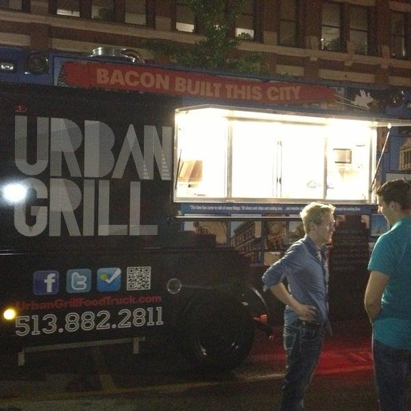 Foto tomada en Urban Grill Food Truck por Michael el 6/1/2013