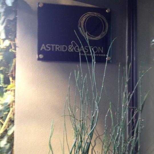 Foto diambil di Astrid & Gastón oleh Carolina pada 12/26/2012