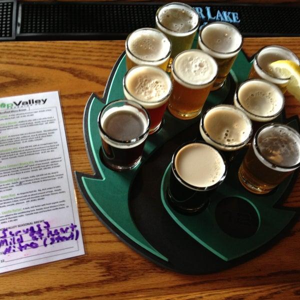 รูปภาพถ่ายที่ Hop Valley Brewing Co. โดย Alethea S. เมื่อ 4/14/2013