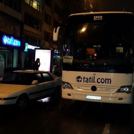 รูปภาพถ่ายที่ Tatil.com โดย Oğuz Y. เมื่อ 3/9/2014