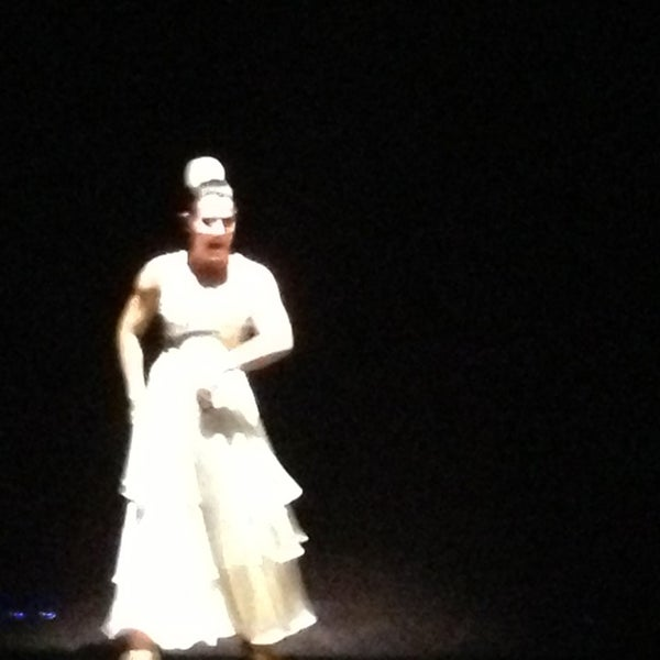 Снимок сделан в Palacio del Flamenco пользователем Fehmi 1/26/2013