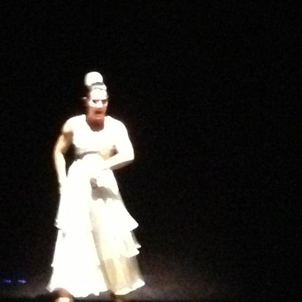 Foto diambil di Palacio del Flamenco oleh Fehmi pada 1/26/2013