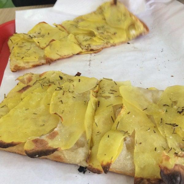Foto tirada no(a) Mamma Mia Pizza & FastGood por Štefan C. em 4/10/2017