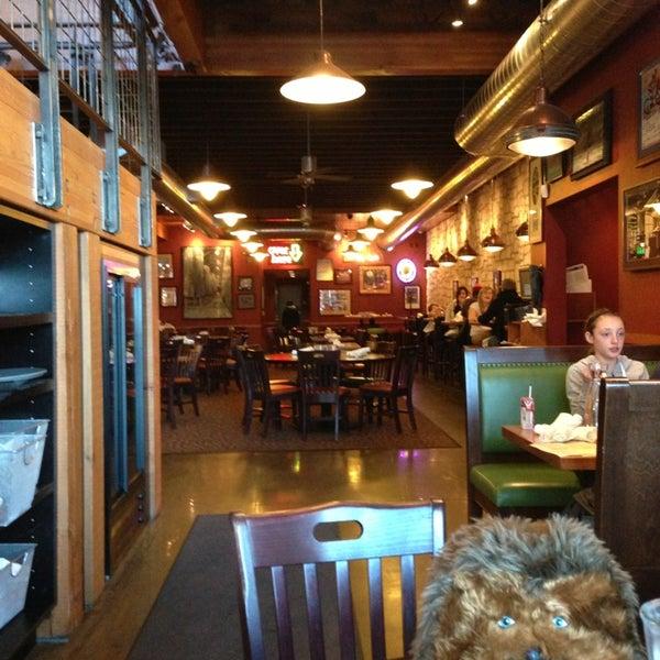 Снимок сделан в Deschutes Brewery Bend Public House пользователем Adam 1/13/2013