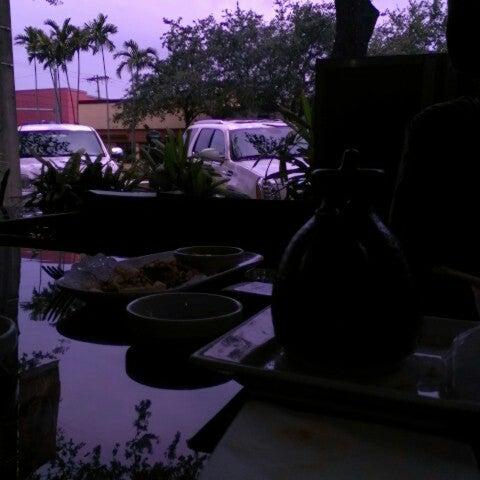 Foto tirada no(a) Red Koi Thai & Sushi Lounge por Riyaad S. em 5/31/2013