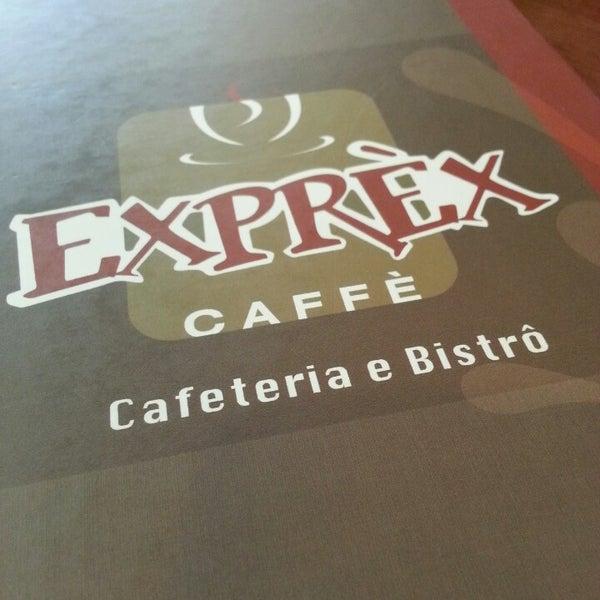 รูปภาพถ่ายที่ Exprèx Caffè โดย Daniel B. เมื่อ 4/15/2013
