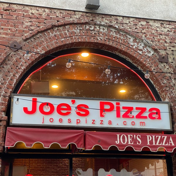 Foto tomada en Joe's Pizza por Ehs el 6/24/2021