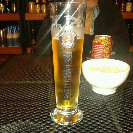 Foto tirada no(a) The Beer Box por Fernando J. em 10/18/2012