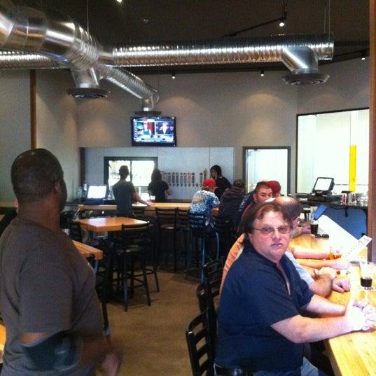 11/28/2012にShawn M.がFour Peaks Tasting Roomで撮った写真