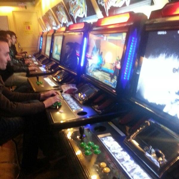 4/18/2013 tarihinde Orhan K.ziyaretçi tarafından Fantasyland Oyun Merkezi & Coffee'de çekilen fotoğraf