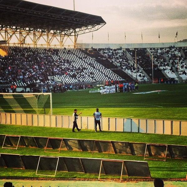 รูปภาพถ่ายที่ Toumba Stadium โดย Όμηρος Κ. เมื่อ 4/22/2013